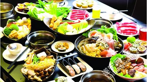 在寒冷的冬季,吃腻了重口味的火锅,来一锅清淡的青菜圆子,的确很养生.