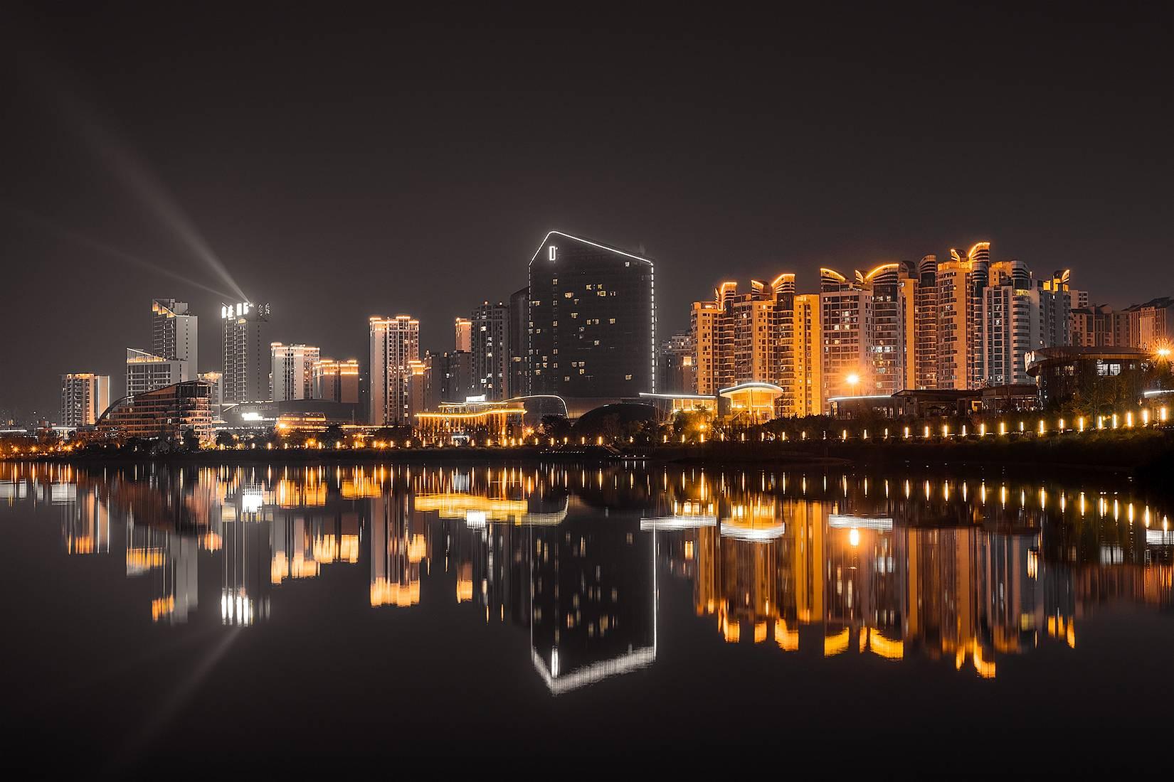 遂宁夜景——城市黑金
